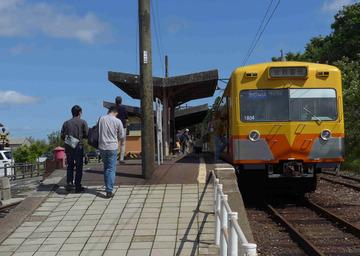 □西藤原と電車.jpg