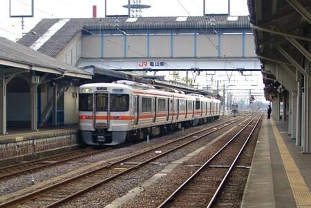 〇30亀山313系.jpg