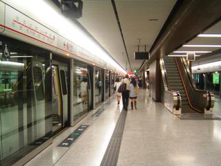 地下鉄駅JPEG2.jpg