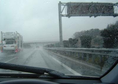 雨の視界JPEG.jpg