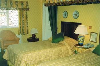 41ブロードウェイホテルベッドルーム.jpg